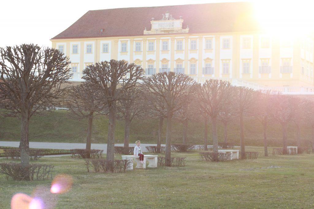 zamok schlosshof zapad slnka